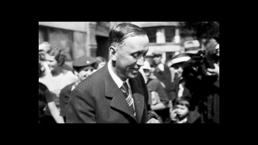 Video 90 let od cesty Karla Čapka napříč Anglií