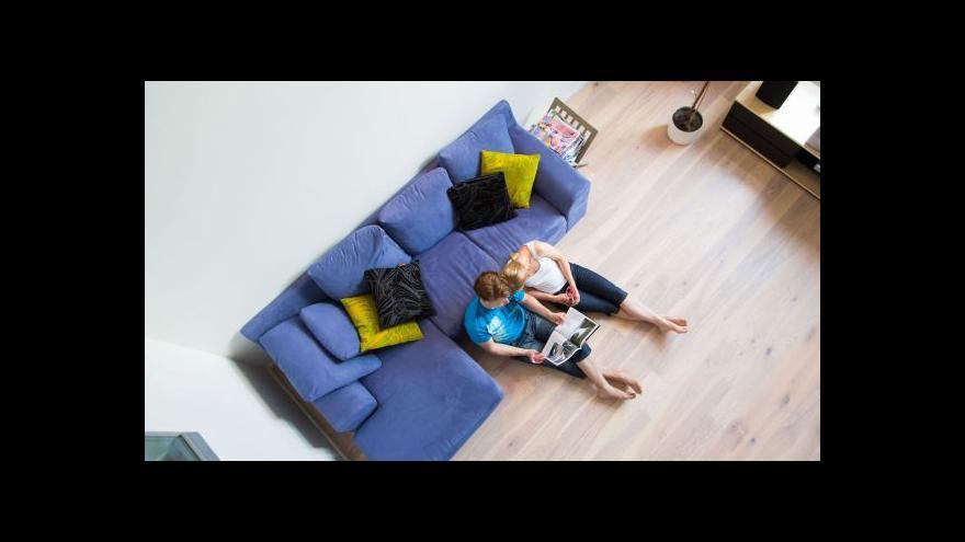 Video Zámečník: Poplatky motivují klienty, aby u banky zůstali
