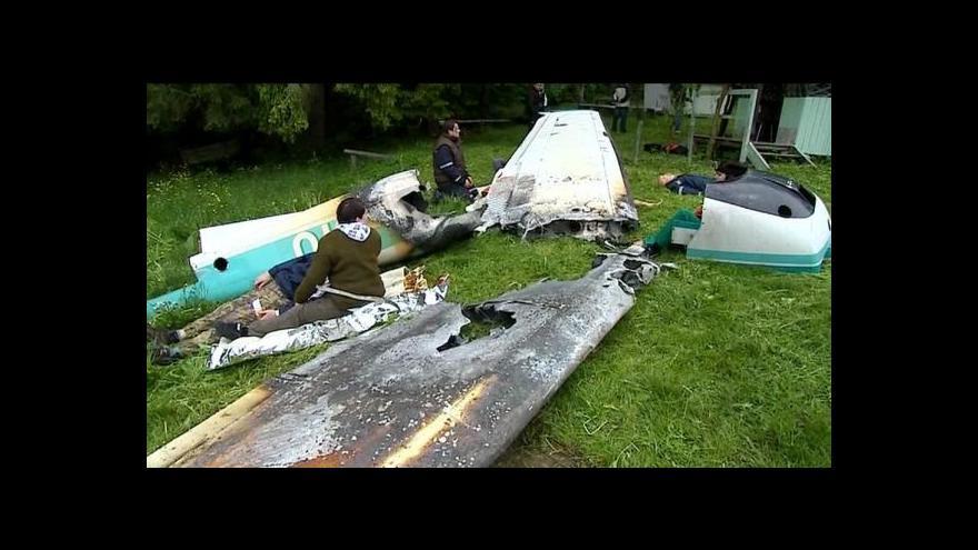 Video Události: Záchranáři simulovali pád dvou letadel