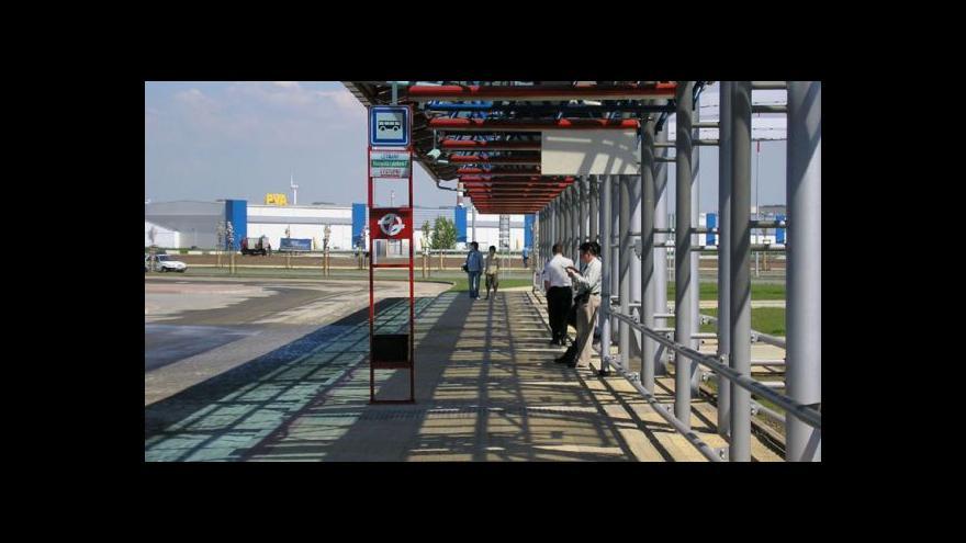 Video Desítky autobusů z Mělnicka mají končit na jiném terminálu