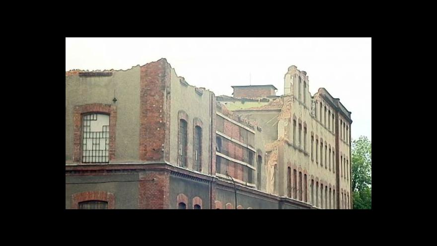 Video Konkurzní správce bourá přádelnu ve Frýdku-Místku