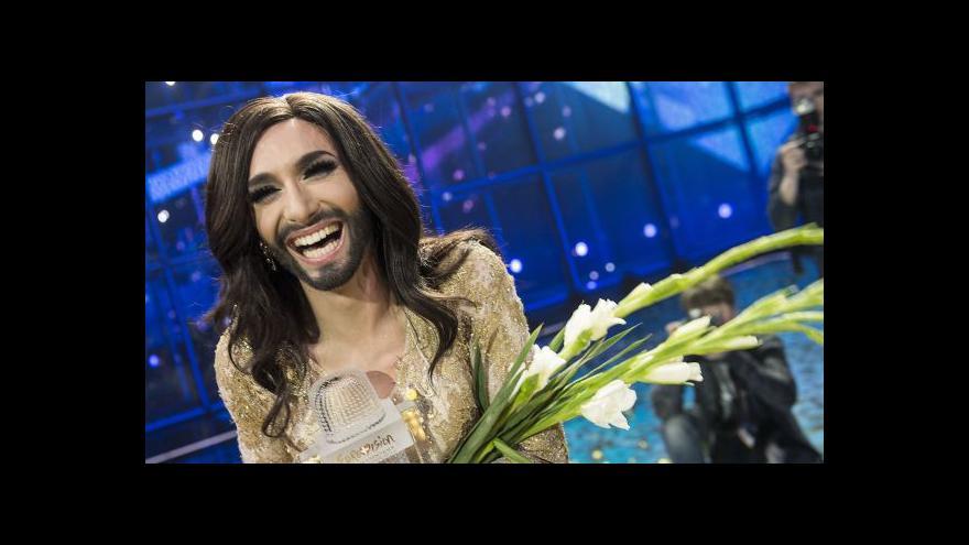 Video Eurovizi vyhrála vousatá zpěvačka
