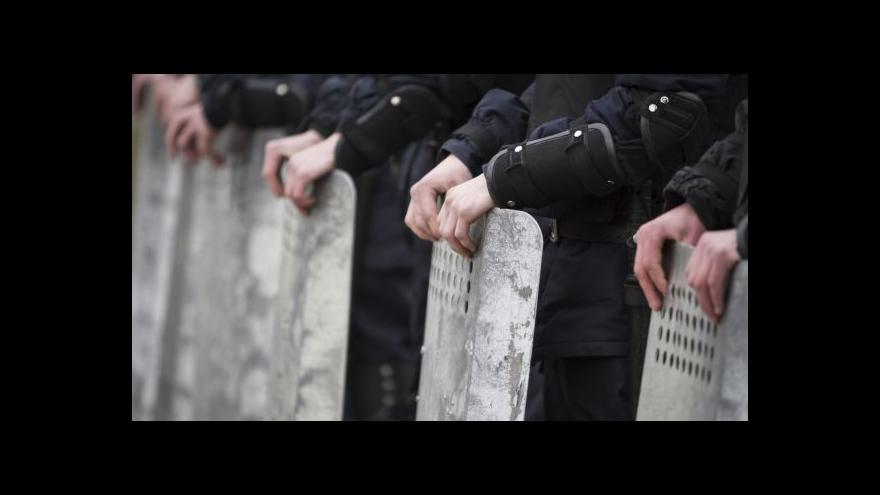 Video Turčynov varoval před referendem, v Mariupolu se bojovalo