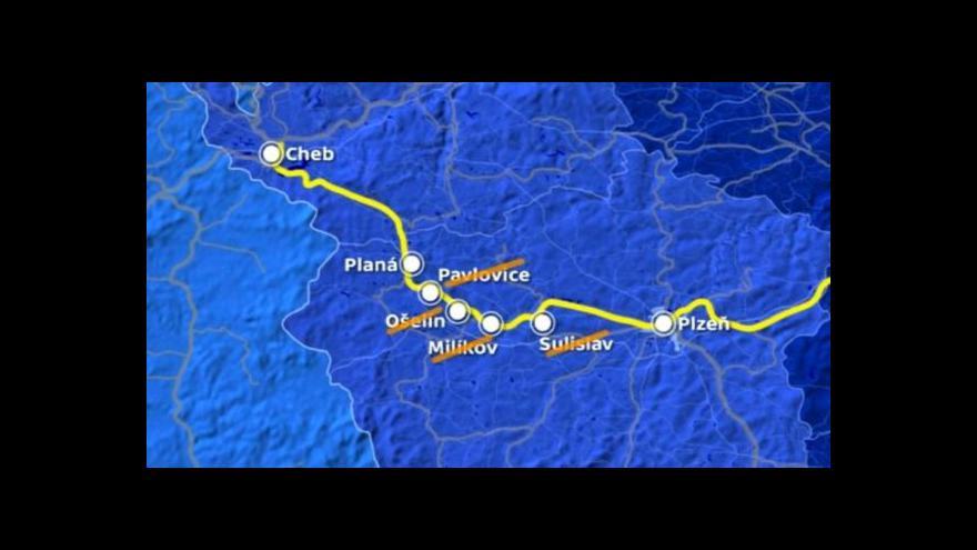 Video Nad vlakovými zastávkami na Plzeňsku se smráká