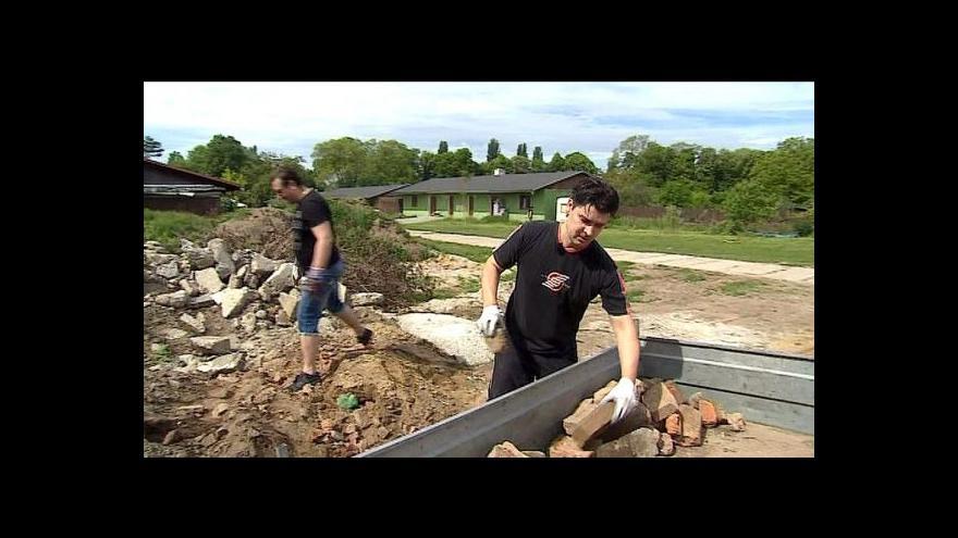 Video S jarem vyrazili do terénu stovky firemních dobrovolníků