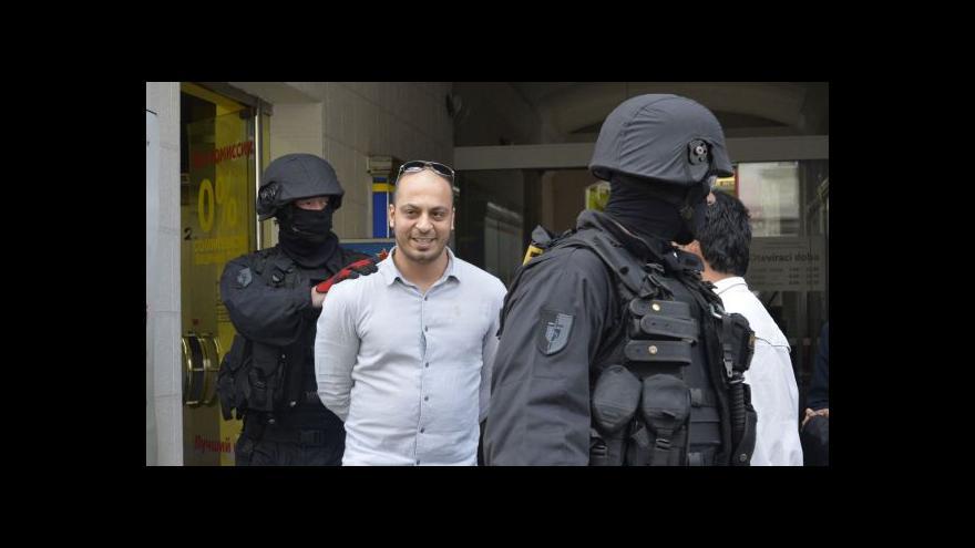 Video Zásah policie v pražských muslimských centrech byl podle ministra v pořádku
