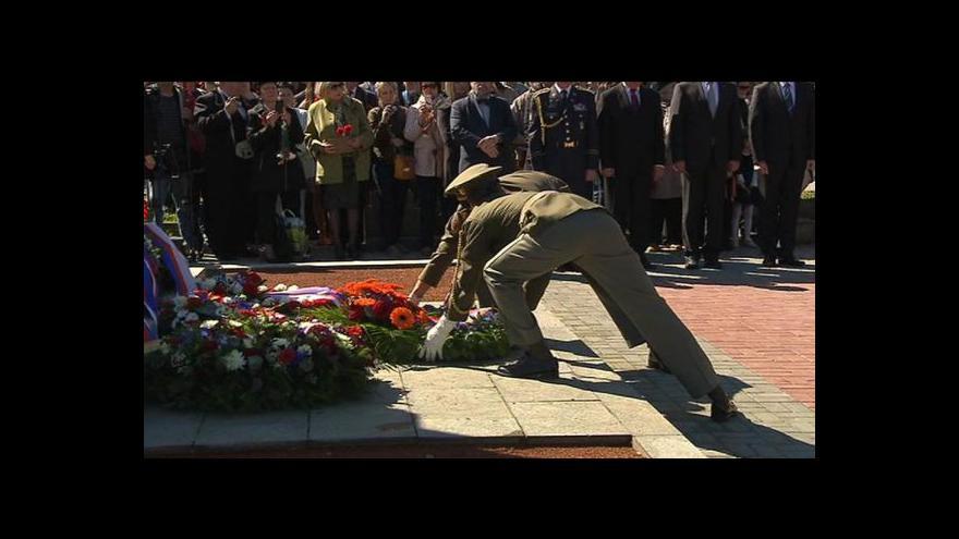 Video Pietní akce u pomníku padlých sovětských vojáků