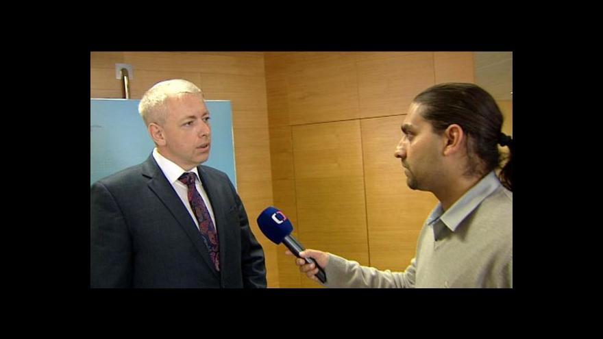 Video Milan Chovanec a Tomáš Řezníček k policejnímu zásahu