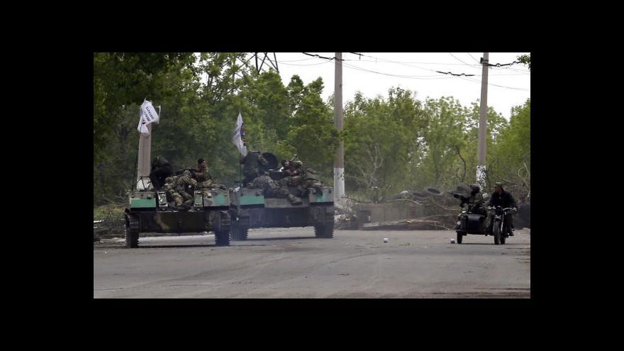 Video Separatisté sestřelili armádní vrtulník u Slavjansku