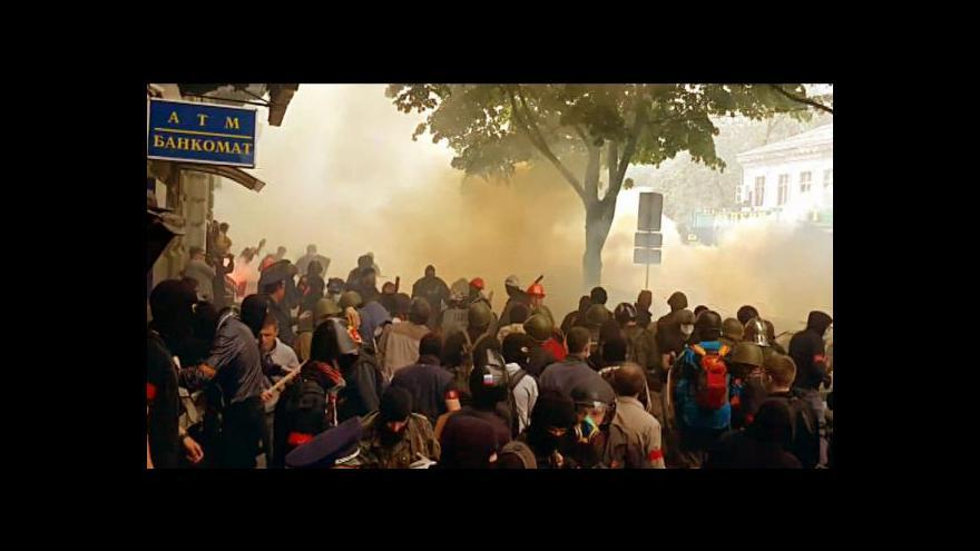 Video Východ Ukrajiny zažil jeden z nejkrvavějších dnů