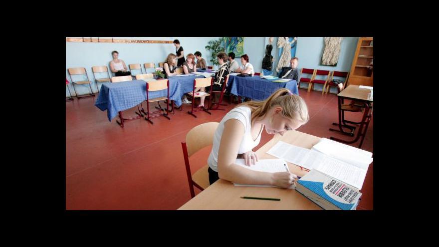Video Chládek chce povinnou maturitu i z matematiky