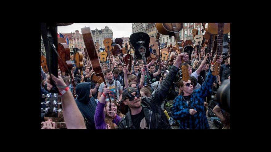 Video Ve Vratislavi padl kytarový rekord