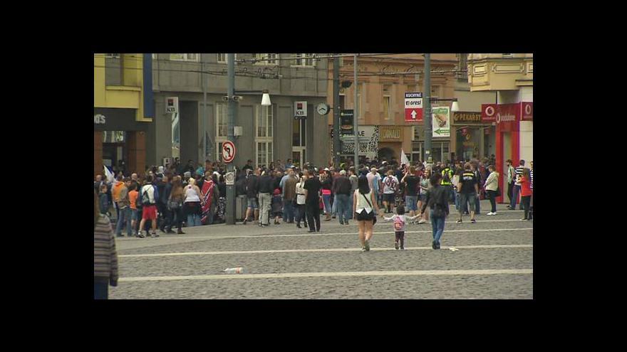 Video Pochody v Ústí skončily bez potyček