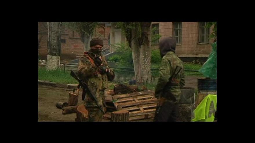 Video Ozbrojenci ve Slavjansku vyměnili dva členy ukrajinské rozvědky za zadržované separatisty