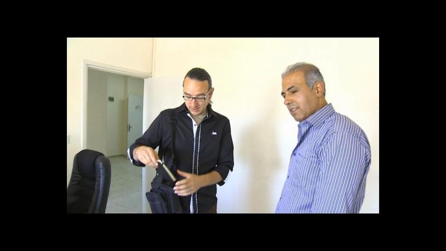 Video Napravený palestinský vrah vyučuje hebrejštinu