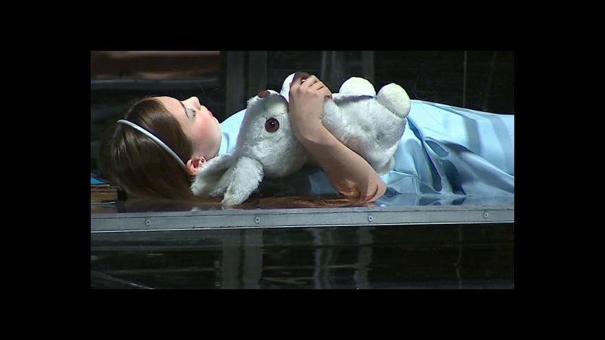 Video Operní thriller Alice in bed