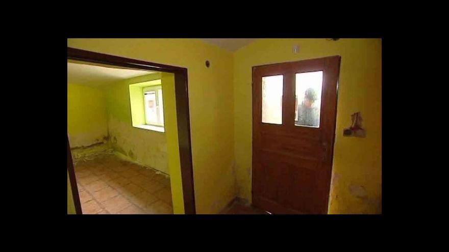 Video Zloději rabují vykoupené domy v Karviné