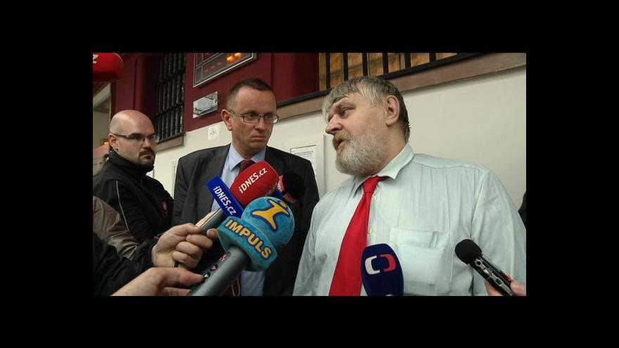 Video Události: Ivan Jonák opustil po 18 letech brány věznice