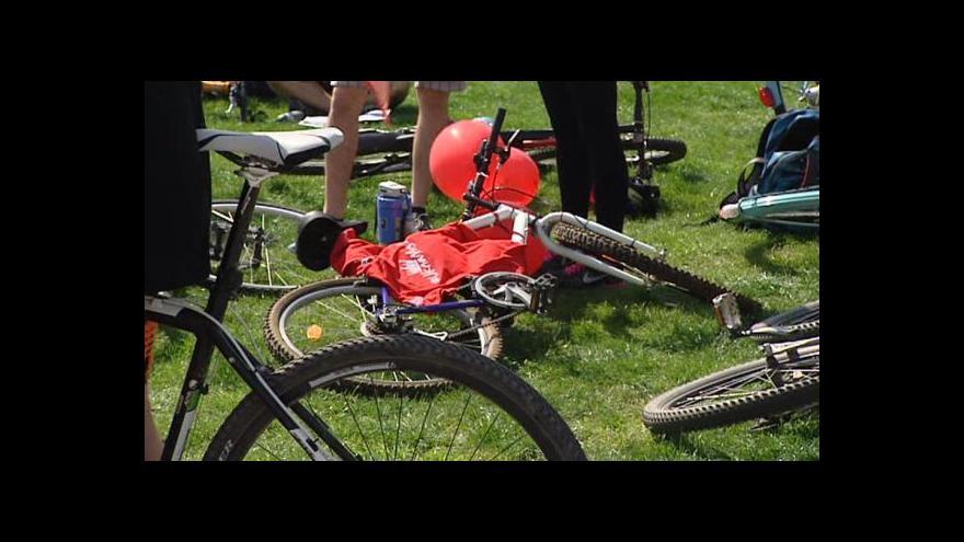 Video Velká jarní cyklojízda přilákala stovky cyklistů