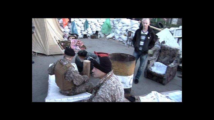 Video Rozdělená Oděsa – příznivci i odpůrci separatistů hlídají své barikády