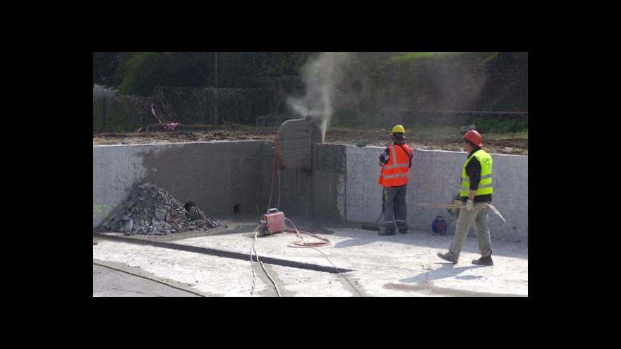 Video Týnská plovárna otevře v novém