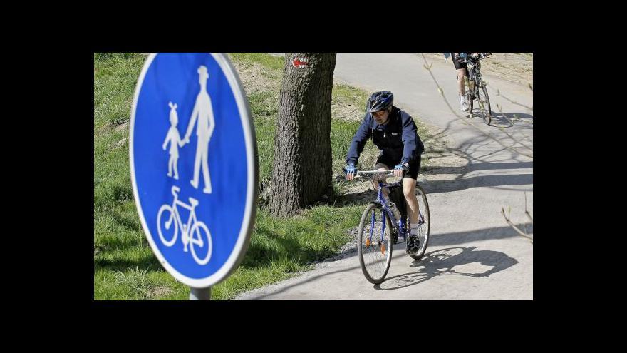 Video Pražské cyklostezky budou hlídat zdravotníci na kolech