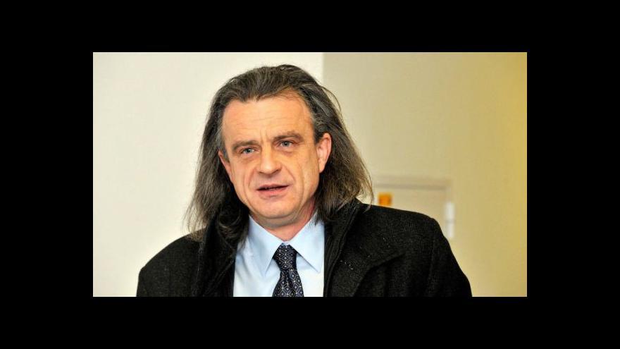 Video Chaloupka: Unie by se měla bránit přílivu migrantů, nikoli ale kvótami