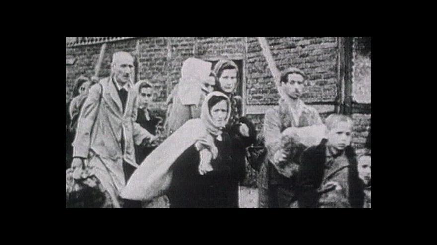 Video Výstava v synagoze připomíná osudy kolínských Židů