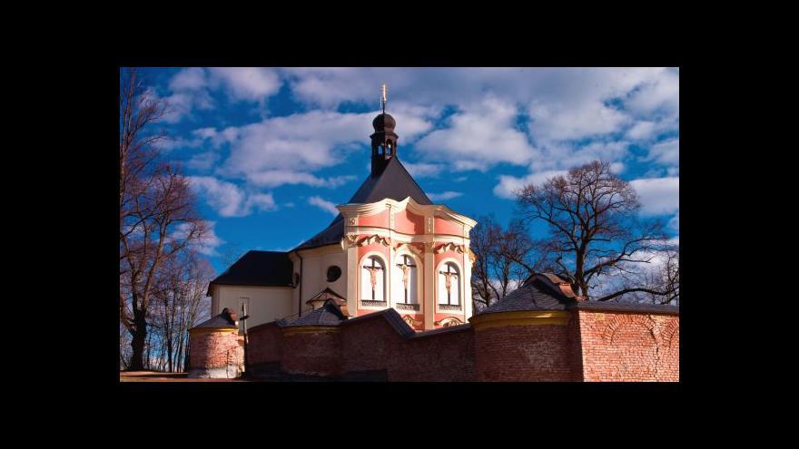 Video ČSSD chystá zákon, který by zdanil církvím finanční náhrady