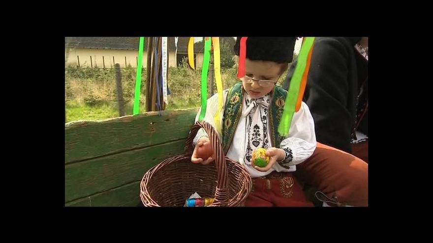 Video Na Hané se jezdí na koledu na voze taženém koňmi