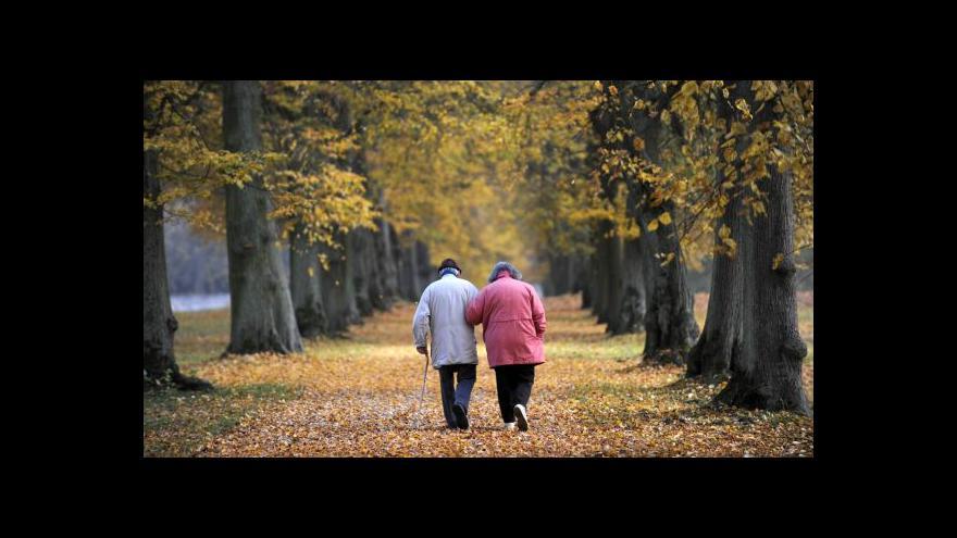 Video V Česku je nedostatek míst v domovech pro seniory