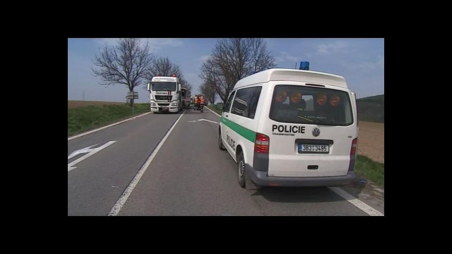 Video NO COMMENT: Nehoda autobusu a osobního auta u Bořitova