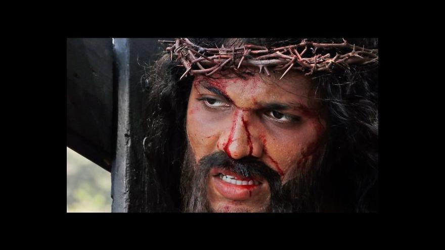 Video Na Velký pátek si věřící připomínají Kristovu smrt