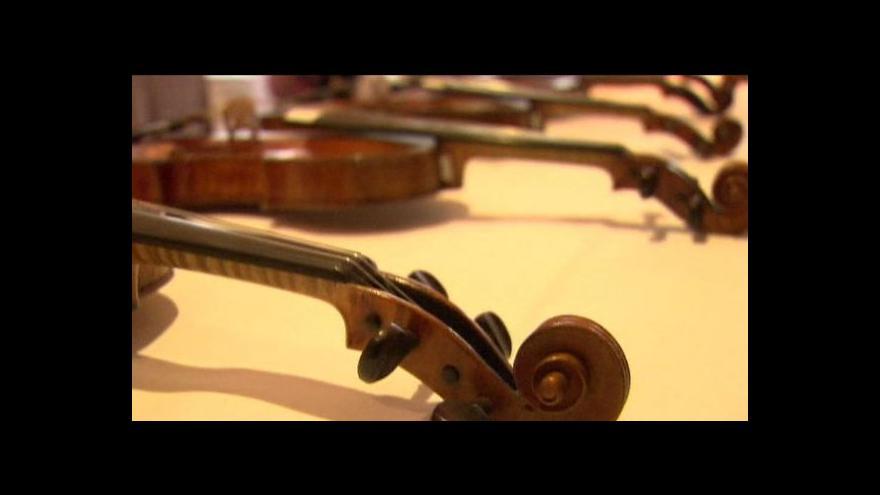 Video Nejsou housle jako housle. Nebo ano?