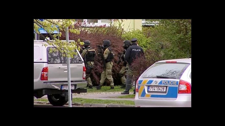 Video Proti krnovskému střelci zasahovalo speciální komando
