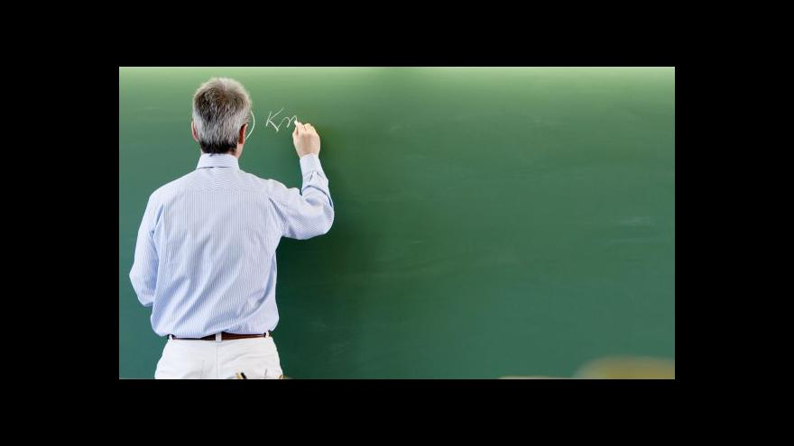 Video Kam se podělo zvýšení učitelských platů?