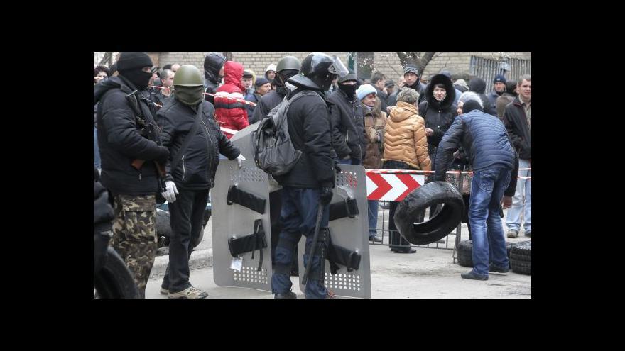 Video Ruské jednotky shromážděné u hranic zatím v klidu