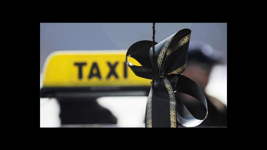 Video Vražda dvou taxikářů nutí řidiče k opatrnosti