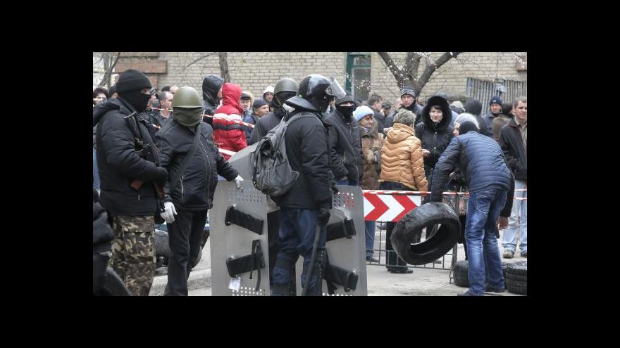 Video Kyjev zasahuje na východě. Nejméně dva mrtví