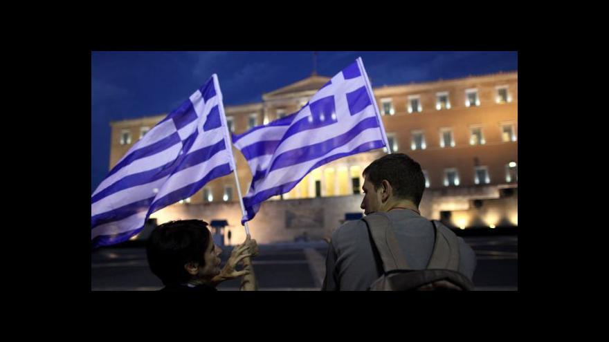Video Řecko nabídlo dluhopisy, jen se po nich zaprášilo