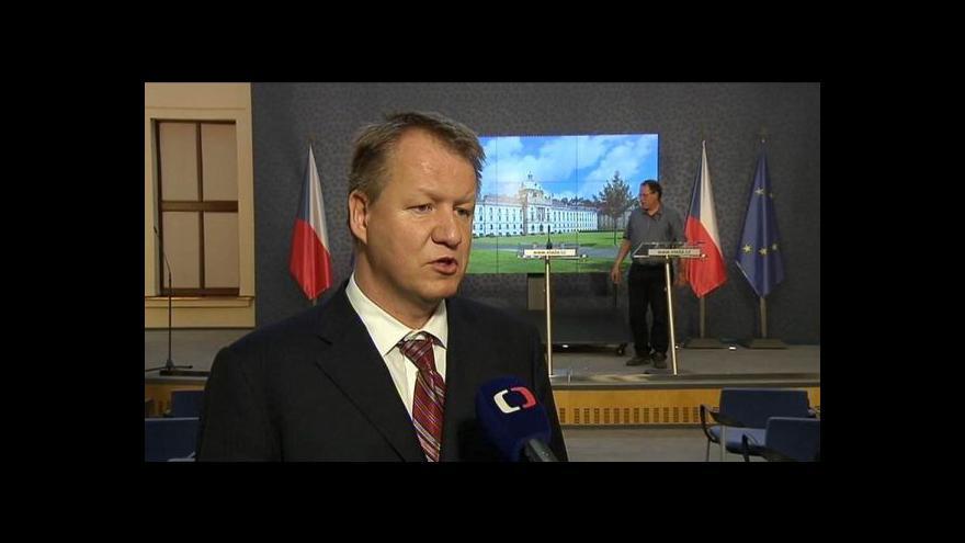 Video Studio ČT24: Vláda schválila zvýšení plateb za státní pojištěnce