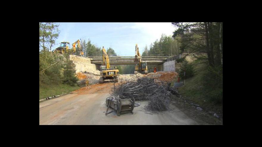 Video Oprava D1 je v plném proudu, u Jihlavy zmizel most