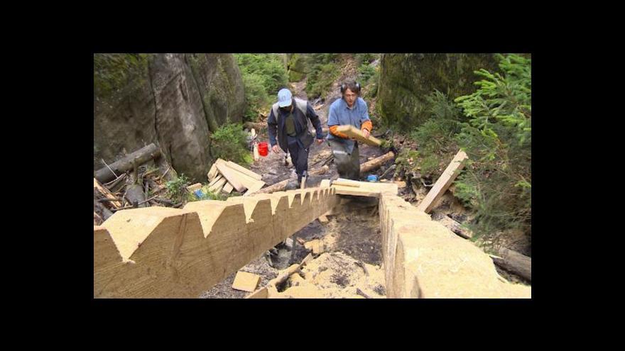 Video Po nových chodnících se turisté vrátí do Vlčí rokle