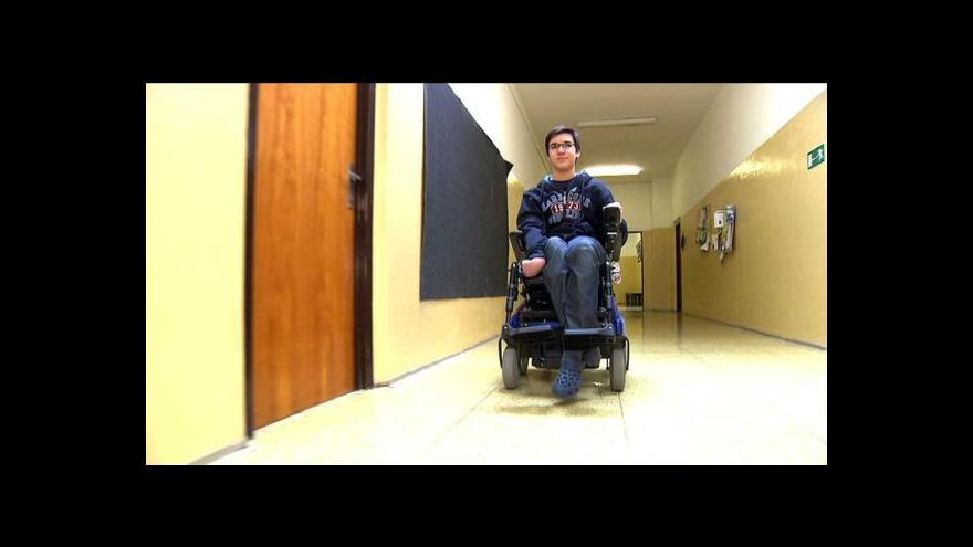 Video Události: V Česku je málo škol pro tělesně postižené
