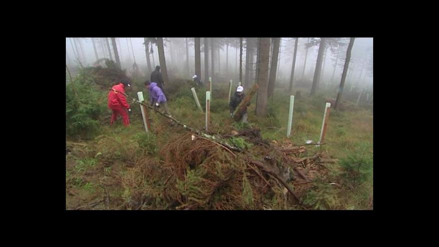 Video Jarní úklid začal na horách i pod nimi