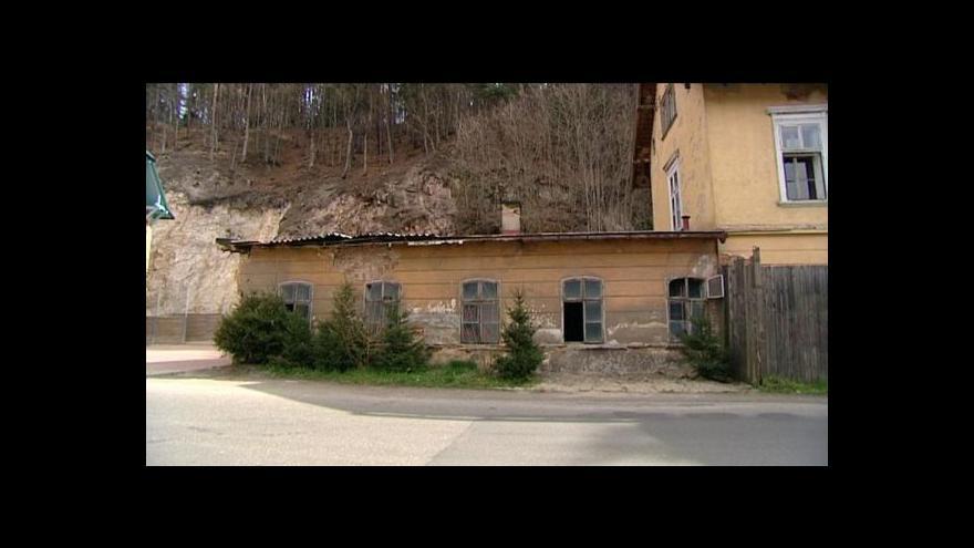 Video Karlovarské minerální vody se dostaly do sporu s národním památkovým ústavem kvůli další budově v areálu lázní Kyselka