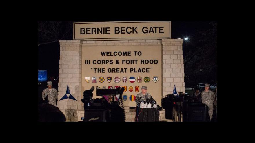 Video Na základně Fort Hood se po letech znovu střílelo