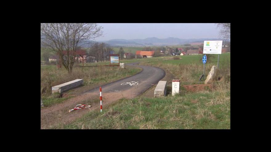 Video Cyklostezka u Meziměstí se rozpadá před očima