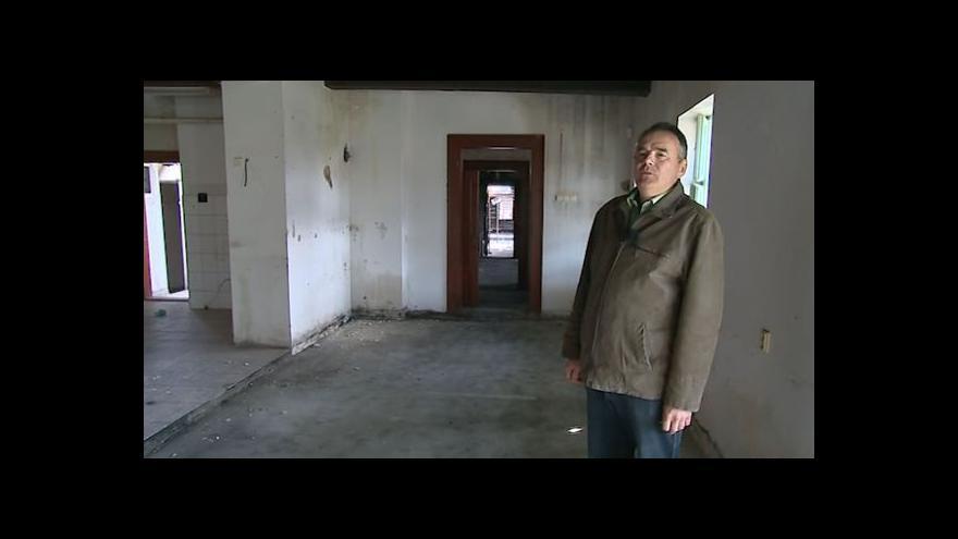 Video Vyhořelou chatou Libušín provází Milan Gesierich