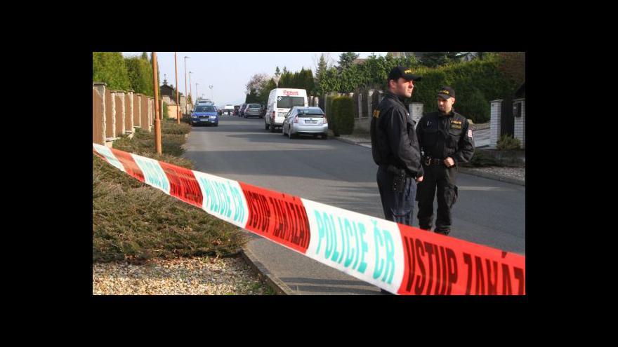 Video Policie tři hodiny rekonstruovala vraždu podnikatele Housky